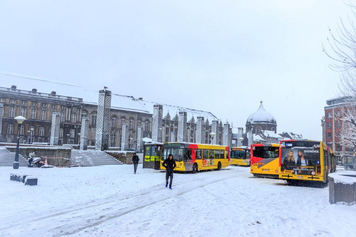 Stranded buses at the Place St.-Lambert